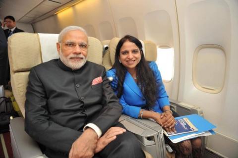 24 घंटे पीएम नरेन्द्र मोदी इस महिला को अपने साथ लेकर घूमते हैं, जानिए आखिर कौन है यह महिला