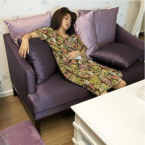 Ngelihat 5 Artis Tidur dengan Posisi Seperti Ini, Apa yang Kamu Pikirkan?