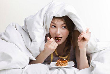 Inilah 10 Hal Jorok yang Diam-Diam Sering Dilakukan Cewek, No 3 Kamu Banget