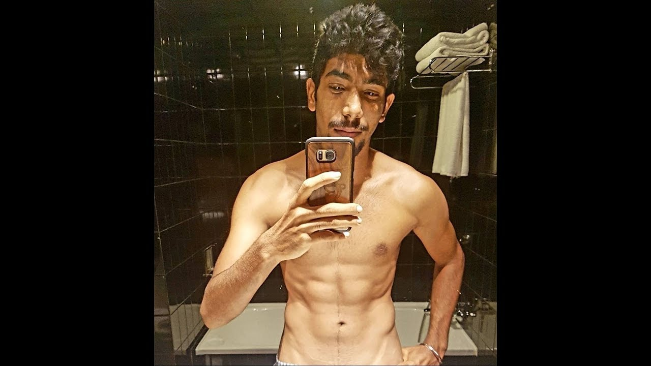 Virat Kohli Hardik Pandya cricketers crazy six pack abs