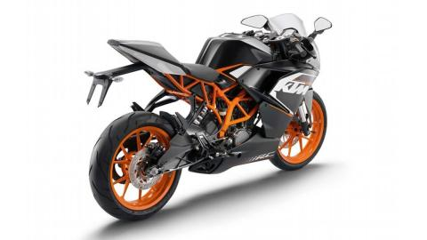 Quick Review: KTM RC 200 STD Specifications, Features and Price in India