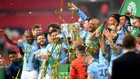 Menangi Piala Liga Inggris, Pep Bidik 3 Piala Lagi