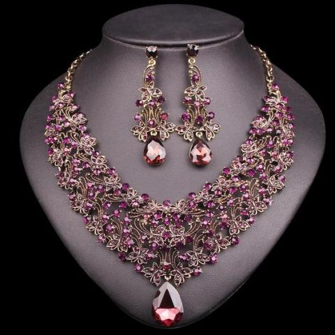 Necklace sets for Karwa Chauth