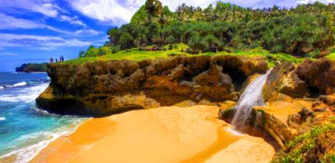 Inilah 7 Air Terjun Yang Langsung Jatuh Ke Laut