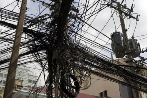 Foto Ruwetnya Kabel-kabel di Dunia
