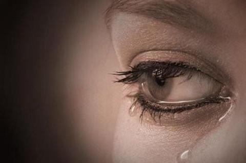 60 Kata-kata Sedih Menyentuh Hati Wanita